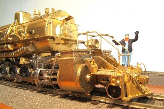 ... und einem Kolbendurchmesser von 1,23 Meter für die Niederdruckzylinder - zu keiner Zeit gab es größere!