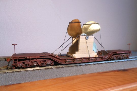 Nochmals Spannschlösser für die Verspannung einer mächtigen Schiffsschraube - und ziemlich genau dem Vorbild für diese Arbeit entsprechend.