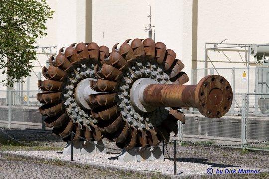 War vielleicht eine Pelton-Turbinenwelle ein möglicher Verwendungszweck für die große Antriebswelle von Wagen #20006?