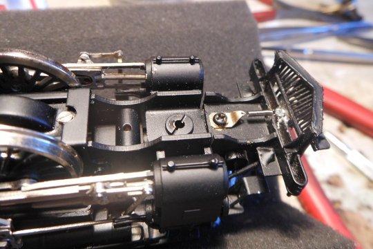 Kupplungsaufhängung und Zentrierung - eine simple Lösung, wenn man die originale Kupplungsführung im Pilot nicht zerstören möchte.