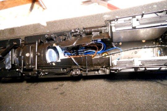 Die dritte Überarbeitung, nun mit einem TCS-Sounddecoder, wo der Lautsprecher in die Rauchkammer kam ...