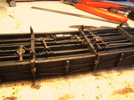 ... wird schließlich das ganze Bremsgestänge Stück für Stück montiert und unter dem Rahmen befestigt.