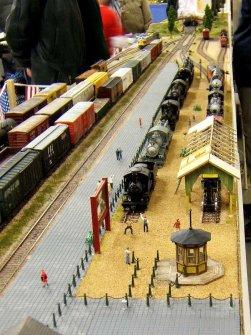 So sieht dann die Absperrung an einem Eisenbahnmuseum aus.