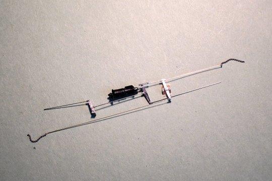 Die vollständige Bremsmechanik ist entstanden und zur Übersichtlichkeit noch einmal mit dem Bremszylinder ins Bild gesetzt.