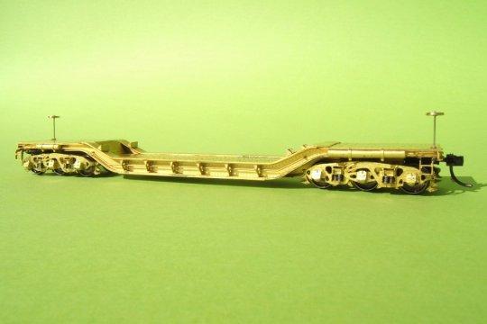 Ein sehr gut gearbeitetes Modell eines deperessed center flatcars der PRR (anfänglich natürlich mit Macken) für ein weiteres Ladungsprojekt ...