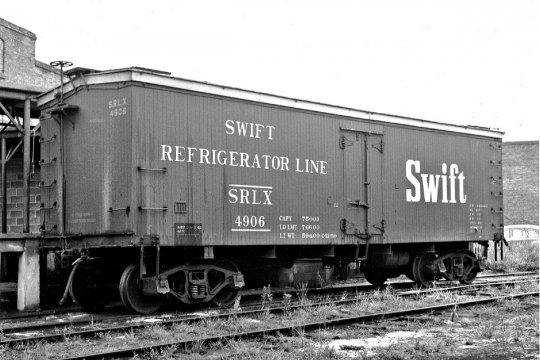 Das ist das Vorbildfoto dieses Swift reefers, das ich schließlich mit tatkräftiger Hilfe meines guten Freundes Wayne Toth aus Kanada gefunden habe - used by permission of R. Lieljestrand, of Bob's Photo.
