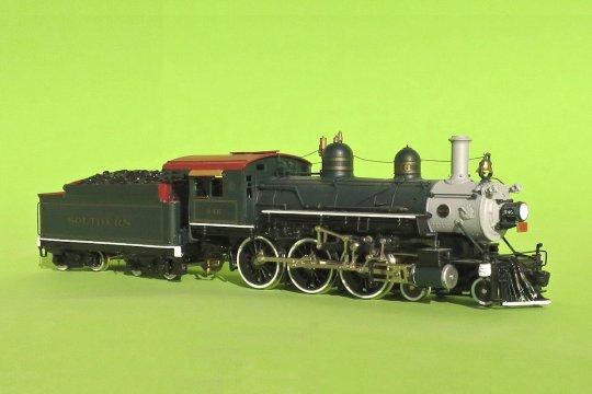 Ein nahezu ausgezeichnet lackierter Ten-Wheeler der Southern Railway. Und damit eine wunderbare Lok für einen hochkarätigen Personenzug, ...