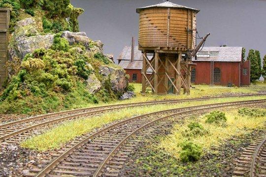 Der gleiche Wasserturm, hier von meinem Freund Rob aus England. So kann Landschaftsgestaltung dann auch aussehen. In meinen Augen ist er ein Künstler!