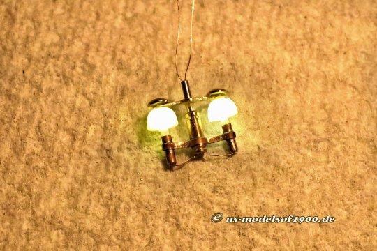 So sieht das erste Muster aus - und wie diese Lampe auf Facebook ankam! Das Interesse am Nachbau war so groß, dass ich nun doch eine Beschreibung anhängen muss - How to do! Aber noch sind sieben weitere Lampen zu bauen, die ich für diese beiden Modelle brauche!