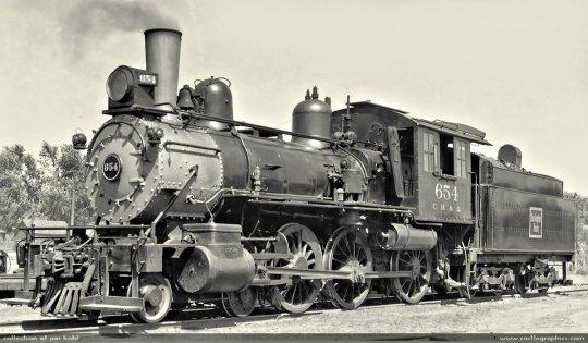 Ein schönes und klares Bild dieser CB&Q Lok no. 654 der class K-2, fotografiert am 6. September 1939 in Red Oak, Iowa.