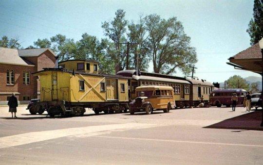 Genau so soll er ausssehen, mein V&T-Train - RPO no. 23, Combine no. 18 und der Caboose no. 24