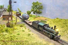 Unterwegs auf dem Land, war es da die Ponderosa-Ranch, die der Zug gerade passiert?