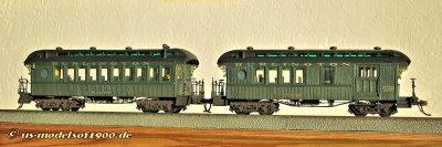 Mit Farbe und Beschriftung sehen die Modelle dann gleich noch einmal ganz anders aus, auch wenn die Burlington RR. solche Wagen wohl nie in ihrem Bestand hatte. Aber ich die entsprechende Lok!