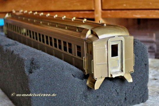 Die erste Änderung! Ein Wagenübergang am Ende des Zuges ohne eine Tür (vergleiche das Bild zuvor, links) ist natürlich ein Unding! Diese Tür muss einfach sein!