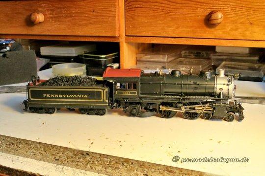 Und schließlich das Modell mit einer ausgezeichnete Lackierung, dazu sogar die gleiche Loknummer 1067 wie im Vorbildfoto!