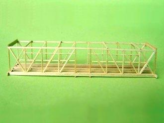 Die Rahmenkonstruktion nimmt erstmals Gestalt an.