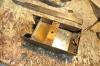 Unterhalb des Kohlekastens konnten auch neue Bleigewichte eingesetzt werden, da ich das originale Gewicht ja entfernen musste, das sich für den Einbau des Decoders so richtig quer in den Weg gestellt hatte.