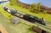 Der ''Extra train'' auf dem Siding, solch ein Zug hat nun einmal keinen Vorrang. Aber die Lok hätte natürlich keine Pause gebraucht, sie lief viele Runden über mehrere Tage ganz zuverlässig. Ein erfreuliches Ergebnis!