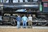 Hier auf dem Bild einige Mitarbeiter von TCS mit der Dampflok der class M, die eine der Prototypen für mein Modell ist. Und diese ist ja nun wirklich die letzte Lok dieser Klasse, die aber immer noch regelmäßig im Einsatz für Touristikzüge bei der Strasburg Ry. im Einsatz ist.