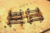 Also originale Bremsbacken abschleifen und Kadee brake pads einsetzen, dazu war lediglich das Bolster ein wenig nachzuarbeiten.