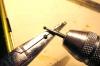 Für den besseren Sitz der Glasperle am Kopf wie auch auf dem Fuß werden nun zusätzlich die Klebeflächen etwas ausgefräst.
