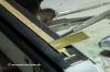 Dachlaufstege - das übliche Procedere: Aufkleben, Löcher bohren mit der Bohrlehre, Drahtstifte einsetzen ...