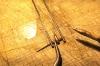 Das Bild eines Versuchs, die Lampenfüße durch längere Röhrchen oder Vollmaterial zum Verlöten mit Klebeband zu fixieren - dieser hat sich aber als nicht brauchbar herausgestellt. Am Ende habe ich doch Freihand verlötet. Siehe die nächsten Bilder, wie es geht.