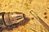 Sie sollten auf alle Fälle mit einer sehr feinen Feile die Bearbeitung des Lampenschirmes abschließen, um eine glatte Oberfläche zu erhalten.