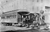 ''Steam donkey locomotive and railroad coach in front of St. Charles Hotel on 1st and Washington Sts., about 1900.'' - Das ist der Originaltext zu diesem Bild, das ich auf Facebook gefunden habe. Ein ''Dampfesel'' als Zuglok für einen Straßenbahnzug um 1900 mit einem sehr ähnlichen Personenwagen wie mein Selley Coach. Das erweckt definitiv neue Ideen für eine Realisierung! <br />** Bildnachweis: Oregon Historical Society Research Library, negative no. 27553 **