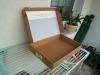 Ein passender Karton, so groß wie möglich und ziemlich flach ...